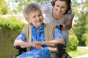Devenir Accompagnateur de personnes âgées