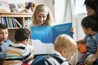 Alors qu'une réforme dans la petite enfance est en cours, les professionnels du secteur craignent une éventuelle baisse de la qualité de l'accueil.