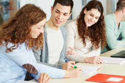 Apprenez-en plus sur le plan de lutte contre le décrochage scolaire, entrant en vigueur en 2020.