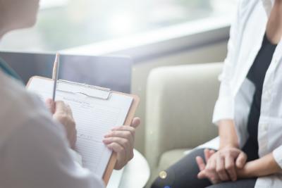 Alors que les hôpitaux psychiatriques sont en crise, quelles mesures sont mises en place pour y remédier ?